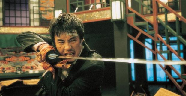 10 pha hành động trong phim Hàn Quốc chẳng hề kém cạnh bom tấn Hollywood (Phần 1) - Ảnh 5.