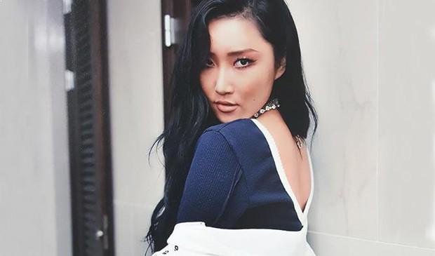 Netizen Hàn á khẩu với màn biến hình thành Hwasa (Mamamoo) của beauty blogger đình đám Risabae  - Ảnh 6.