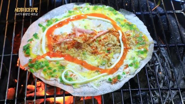 Đặc sản bánh tráng nướng Đà Lạt không chỉ nổi danh trong nước mà còn xuất hiện trên sóng truyền hình nước ngoài - Ảnh 1.