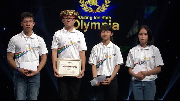 Thí sinh Olympia giành điểm 10 môn Toán THPT QG đỗ thủ khoa Đại học Dược Hà Nội - Ảnh 3.