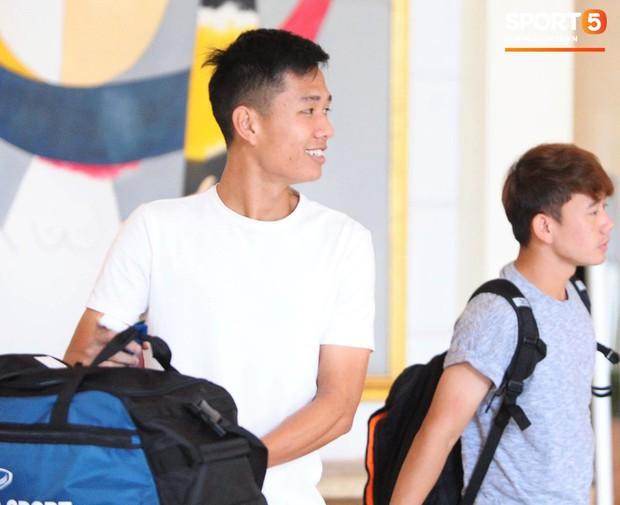 Nụ cười lạc quan của Đặng Văn Lâm ngày chia tay Olympic Việt Nam - Ảnh 3.