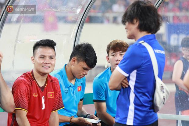 Quang Hải dính chấn thương trước thềm ASIAD 2018, người hâm mộ Việt Nam thót tim - Ảnh 8.