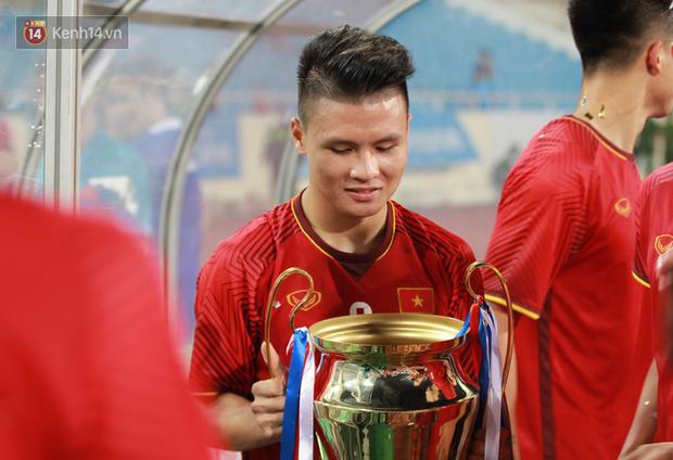 Quang Hải dính chấn thương trước thềm ASIAD 2018, người hâm mộ Việt Nam thót tim - Ảnh 9.