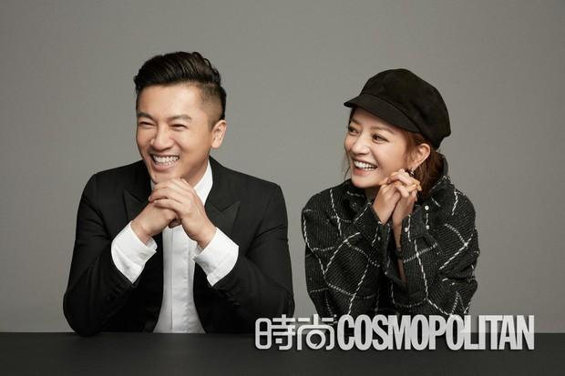 Cặp đôi quốc dân Triệu Vy - Tô Hữu Bằng ôm nhau siêu tình tứ trên bìa tạp chí - Ảnh 3.