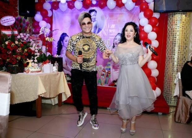 Trường Giang xuất hiện vui vẻ trong sinh nhật Thuý Nga giữa tin đồn cưới Nhã Phương vào tháng 9 - Ảnh 6.