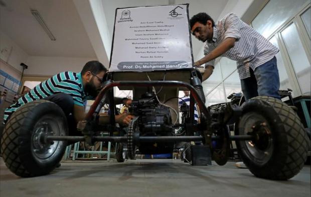 Chán dùng xăng, nhóm sinh viên Ai Cập tự thiết kế xe chạy bằng không khí cho nó tiết kiệm - Ảnh 6.