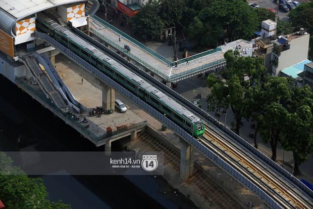 Clip: Hành trình 15 phút đoàn tàu đường sắt trên cao lao vun vút từ ga Cát Linh tới Yên Nghĩa - Ảnh 8.