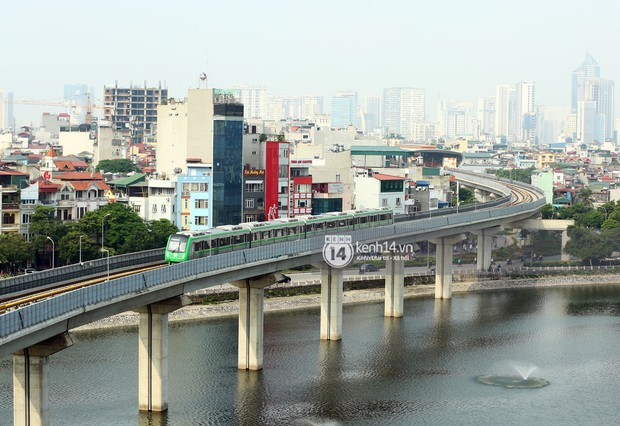 Clip: Hành trình 15 phút đoàn tàu đường sắt trên cao lao vun vút từ ga Cát Linh tới Yên Nghĩa - Ảnh 5.