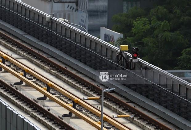 Clip: Hành trình 15 phút đoàn tàu đường sắt trên cao lao vun vút từ ga Cát Linh tới Yên Nghĩa - Ảnh 9.