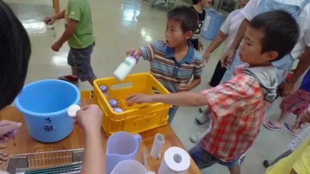 Chỉ một bữa trưa của học sinh tiểu học đã cho thấy người Nhật bỏ xa thế giới ở lĩnh vực trồng người như thế nào - Ảnh 16.