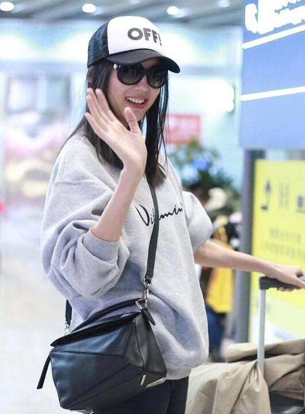 Hoa hậu Thế giới kiêm mẹ bỉm sữa Trương Tử Lâm khoe nhan sắc rạng rỡ ở tuổi 33 - Ảnh 6.