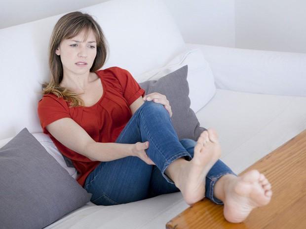 Lạc nội mạc tử cung và 6 dấu hiệu điển hình của căn bệnh này mà con gái không nên chủ quan bỏ qua - Ảnh 2.