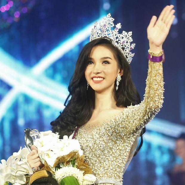 Nhan sắc Tân Hoa hậu Chuyển giới Thái Lan 2018: Liệu có thể sánh ngang với thần tiên tỷ tỷ Yoshi? - Ảnh 9.