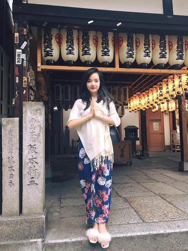 Đã tìm ra info của nàng CĐV Việt Nam xinh đẹp xuất hiện trên truyền hình Hàn Quốc  - Ảnh 14.