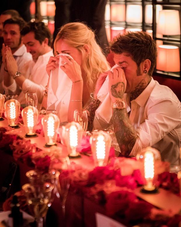 Chiara Ferragni và những khoảnh khắc lãng mạn như công chúa bên cạnh vị hôn phu đêm trước đám cưới cổ tích - Ảnh 11.