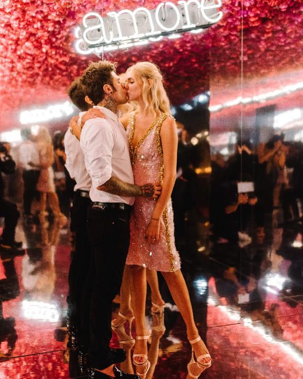 Chiara Ferragni và những khoảnh khắc lãng mạn như công chúa bên cạnh vị hôn phu đêm trước đám cưới cổ tích - Ảnh 6.