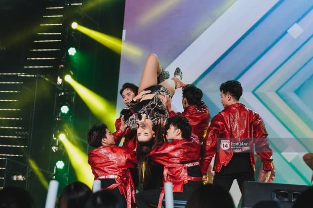 Chùm ảnh đẹp nhất show Hàn-Việt: MOMOLAND khiến khán giả vỡ òa, Thu Minh cùng dàn sao Việt đầy cảm xúc - Ảnh 29.
