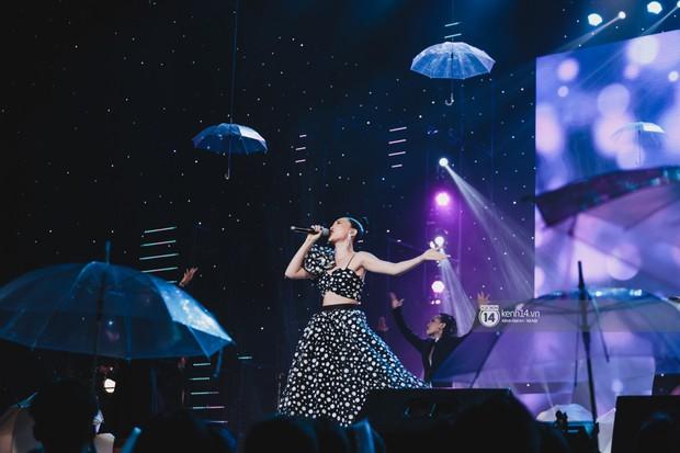 Chùm ảnh đẹp nhất show Hàn-Việt: MOMOLAND khiến khán giả vỡ òa, Thu Minh cùng dàn sao Việt đầy cảm xúc - Ảnh 24.
