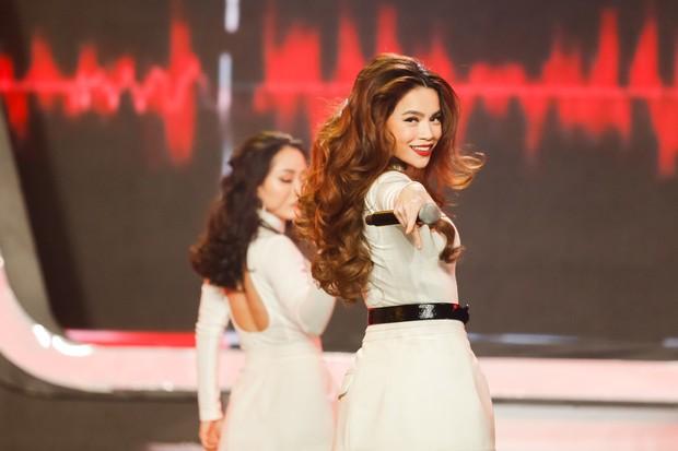 Gương mặt thân quen: Duy Khánh đăng quang Quán quân, Hà Hồ mang bản hit mới đốt cháy sân khấu - Ảnh 10.