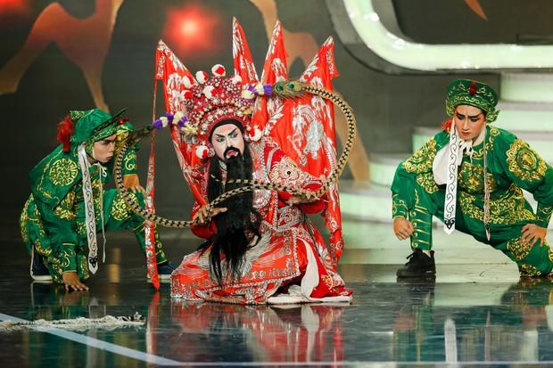 Gương mặt thân quen: Duy Khánh đăng quang Quán quân, Hà Hồ mang bản hit mới đốt cháy sân khấu - Ảnh 20.