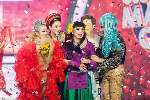 Gương mặt thân quen: Duy Khánh đăng quang Quán quân, Hà Hồ mang bản hit mới đốt cháy sân khấu - Ảnh 1.