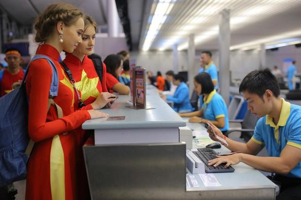 Hơn 300 CĐV bay sớm sang Indonesia tiếp lửa cho Olympic Việt Nam tranh HCĐ - Ảnh 14.