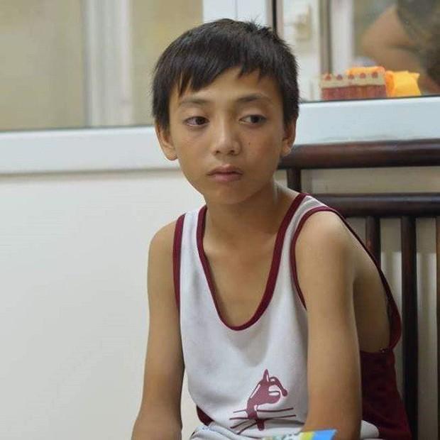 Sau cầu thủ Syria dân mạng lại tìm thấy bản sao mới của Soobin Hoàng Sơn: Lần này giống đến 99% - Ảnh 6.