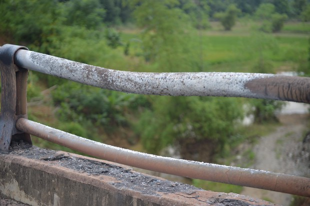 Cầu Ngòi Thủ biến dạng nặng, trơ các lõi thép sau vụ cháy xe bồn - Ảnh 4.