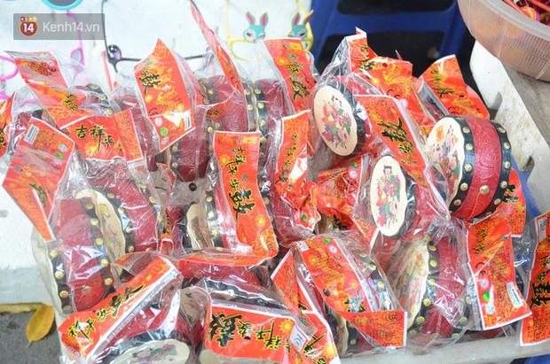 Phố Hàng Mã rục rịch mùa Trung thu: Hàng Trung Quốc vắng bóng, lồng đèn truyền thống lên ngôi - Ảnh 6.