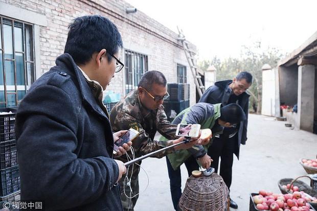 Bán 1,5 triệu kg nông sản qua các nền tảng video, Cô nông dân 37 tuổi giúp vùng quê Trung Quốc thoát nghèo chỉ trong 1 năm - Ảnh 3.
