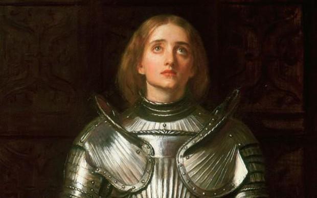 10 phụ nữ đẹp bậc nhất phương Tây: Có người bị chồng yêu cầu khỏa thân cưỡi ngựa - Ảnh 1.