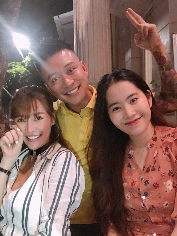 Tuấn Hưng đăng hình chụp với Nam Em nhưng lại gọi tên Trường Giang- Ảnh 2.
