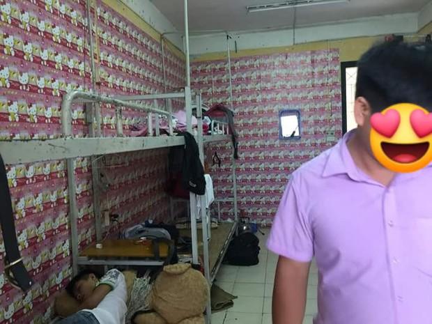 Hội những chàng trai nam tính yêu màu hồng: Chạy khắp Hà Nội mua hình Hello Kitty về dán kín ký túc xá - Ảnh 5.