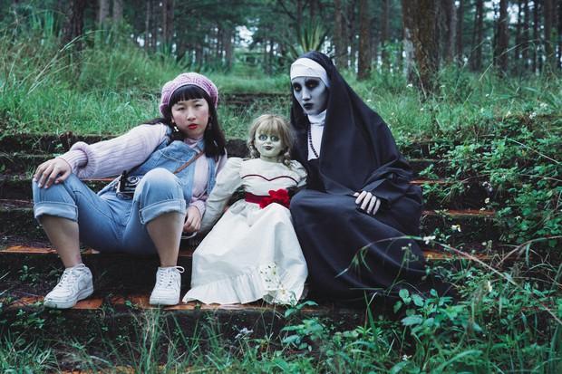 Hội chị em thánh bựa Trang Hý - Annabelle kết nạp thêm thành viên Valak - Ảnh 3.