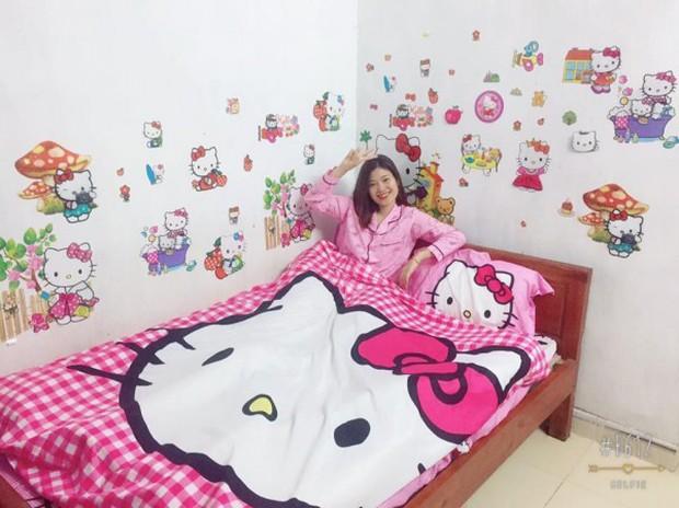 Hội những chàng trai nam tính yêu màu hồng: Chạy khắp Hà Nội mua hình Hello Kitty về dán kín ký túc xá - Ảnh 7.