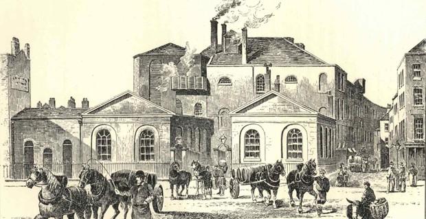 Trận lũ lụt hy hữu trong lịch sử London: Ngọn sóng bia đen cao đến 4.5 mét càn quét đường phố khiến 8 người thiệt mạng - Ảnh 1.