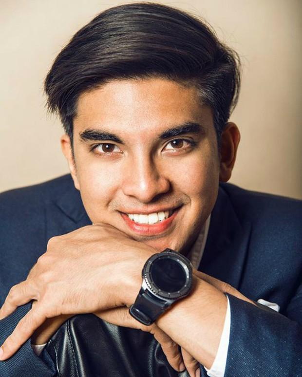 Chàng bộ trưởng Malaysia tuổi 25: Soái ca ngoài đời thực với đam mê chạy bộ và chơi điện tử - Ảnh 1.