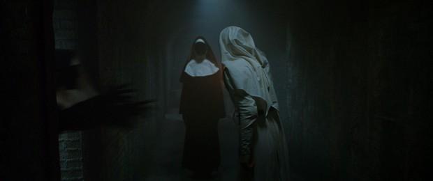 Valak Phiêu Lưu Ký và mối thù truyền kiếp với hai chị em trừ ma diệt quỷ - Ảnh 4.