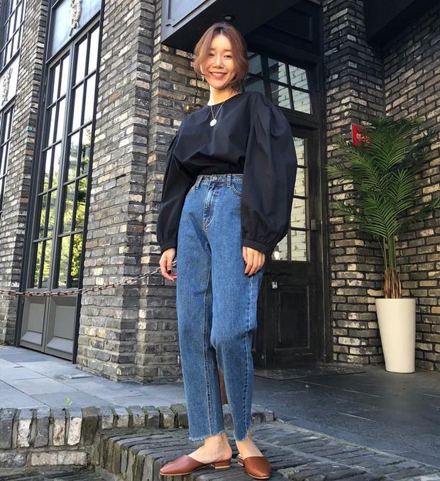 Muốn diện đồ đơn giản mà không bị nhàm chán, các nàng hãy ngắm qua street style Châu Á tuần này xem sao - Ảnh 4.