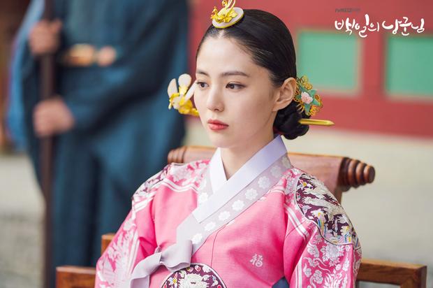 Làm vợ D.O. (EXO), mỹ nhân Hàn gây sốt vì được ví với Song Hye Kyo, thần thái hơn cả nữ chính - Ảnh 2.