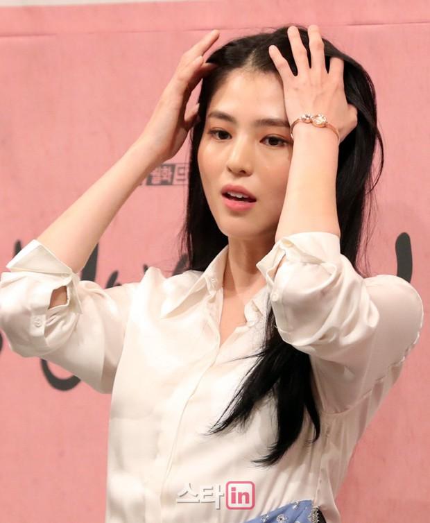 Làm vợ D.O. (EXO), mỹ nhân Hàn gây sốt vì được ví với Song Hye Kyo, thần thái hơn cả nữ chính - Ảnh 11.