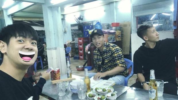 Hot boy cao 1m78 bị Miu Lê hành lên bờ xuống ruộng trong MV mới hoá ra là bạn của Đức Chinh, Văn Hậu - Ảnh 9.
