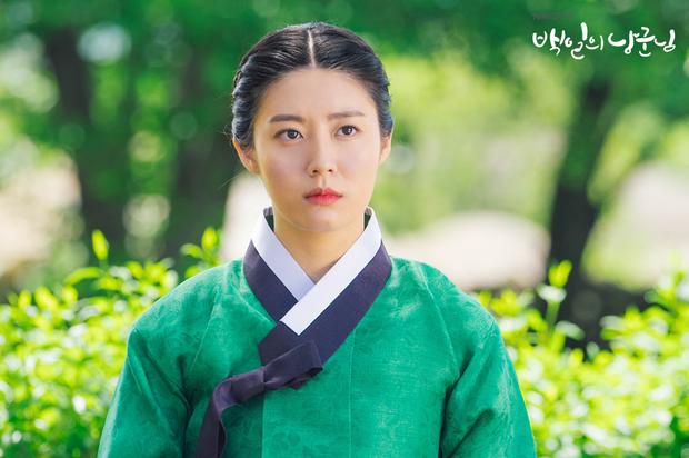 Làm vợ D.O. (EXO), mỹ nhân Hàn gây sốt vì được ví với Song Hye Kyo, thần thái hơn cả nữ chính - Ảnh 4.