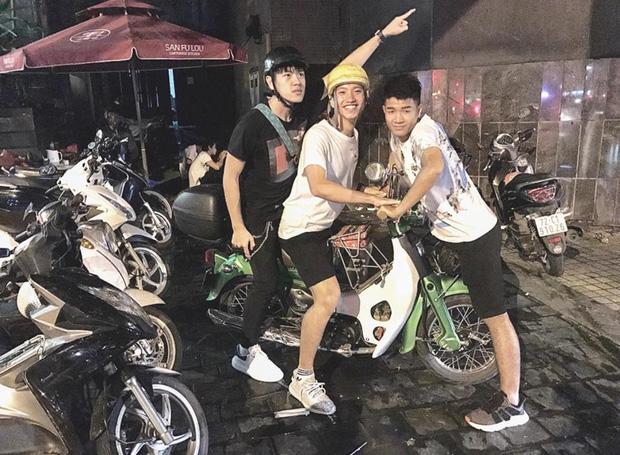 Hot boy cao 1m78 bị Miu Lê hành lên bờ xuống ruộng trong MV mới hoá ra là bạn của Đức Chinh, Văn Hậu - Ảnh 8.