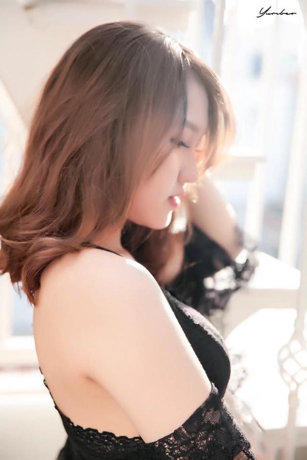 Trong các streamer nữ Việt Nam, ai là người sở hữu thân hình và phong cách gợi cảm nhất? - Ảnh 14.