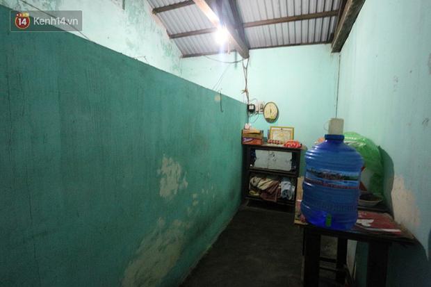 Câu chuyện đáng thương phía sau bức ảnh cụ ông ở Đà Nẵng cứ 20 giờ là tới siêu thị mua cơm thanh lý 10.000 đồng - Ảnh 3.