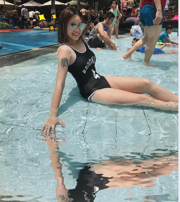 Trong các streamer nữ Việt Nam, ai là người sở hữu thân hình và phong cách gợi cảm nhất? - Ảnh 7.