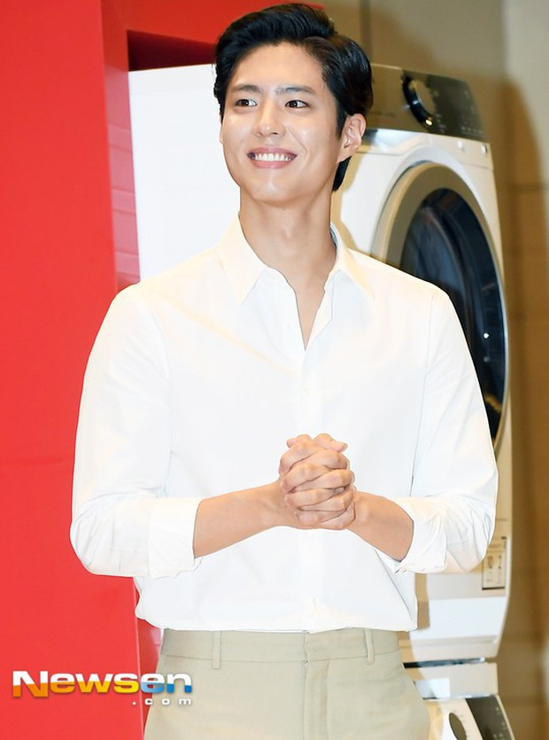 Park Bo Gum vớt lại 10 phần dung nhan nhờ... cắt tóc- Ảnh 1.