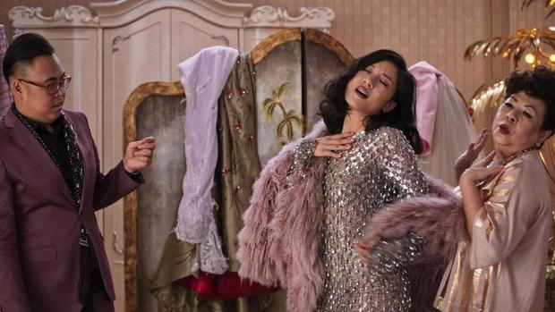 Crazy Rich Asians: Còn hơn cả một phim giải trí về hội con nhà giàu châu Á! - Ảnh 9.