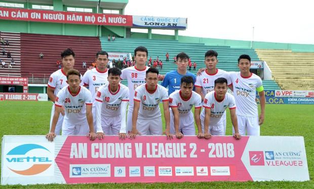 Trung vệ Bùi Tiến Dũng chờ ngày lên chơi V.League, đối đầu các đồng đội U23 Việt Nam - Ảnh 1.